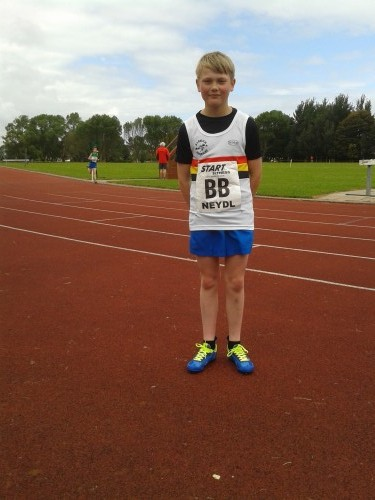 Junior Harrier Mark ROBERTS
