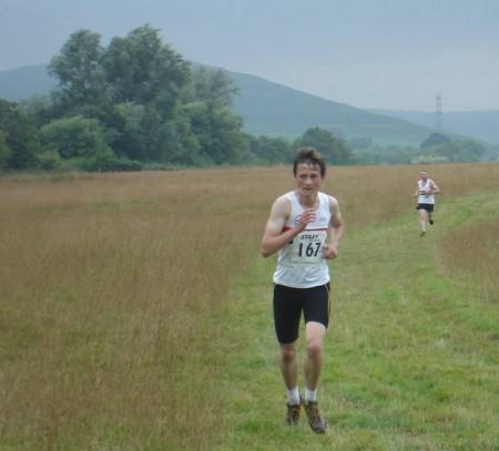 Dan LENG leads Adam FLETCHER