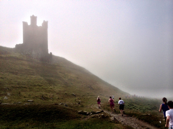 coastal-run-2013-dunstanburgh-castle